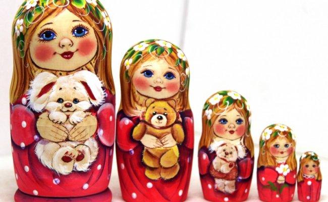 Alena com Coelho - 5 Bonecas
